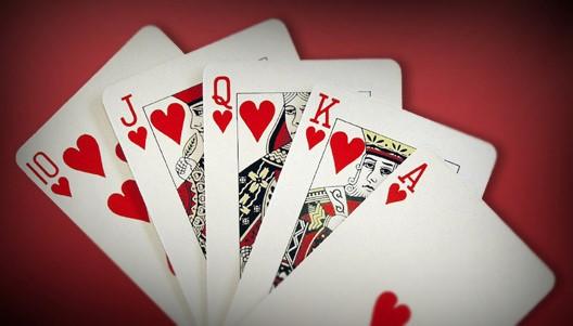 Deze afbeelding heeft een leeg alt-attribuut; de bestandsnaam is kaartspel.jpg